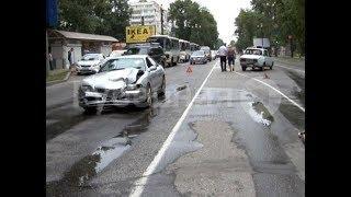 Пьяный водитель отвозил домой девушку и попал в ДТП в Хабаровске. Mestoprotv