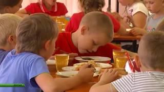 В садиках и школах детей кормят чем попало: штрафы перевалили за миллион рублей