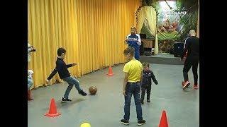 День защиты детей в самарском обществе глухих встретили футболом и веселыми стартами