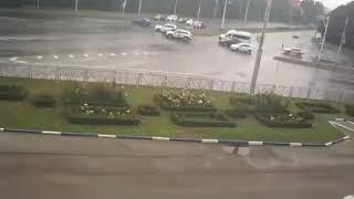 Тройное ДТП попало в объектив камер видеонаблюдения в Ставрополе