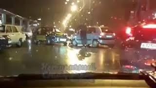 В Ставрополе на перекрёстке улиц Серова и Широкой столкнулись 4 машины