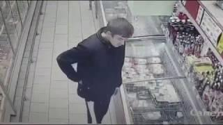 Дерзкие грабители в новосибирском супермаркете растолкали мясо по карманам и убежали