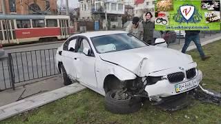 BMW зависло! ДТП чудо Одесса 9-я фонтана. Авария сегодня. Ужасная ситуация. Женщина. Водитель.