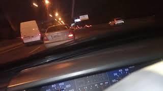 Данные водителя белые фургоны устроил ДТП нарушение ПДД  8.4 и уехал с места