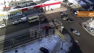 В Уфе на оживленном перекрестке произошло массовое ДТП