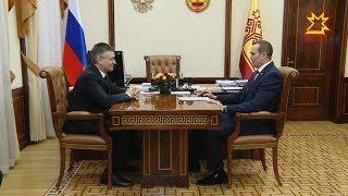 Глава Чувашии Михаил Игнатьев провел рабочую встречу с заме. руководителя Роструда Иваном Шкловцом.