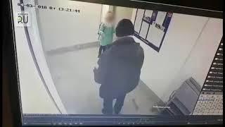 В Заозерном педофил приставал в подъезде к маленькой девочке