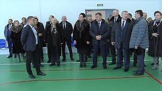 Депутаты окружной Думы на практике обсуждают решение социальных вопросов