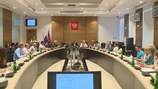 В Волгоградской областной Думе чествовали молодых исследователей
