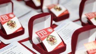 Заместитель министра спорта РФ вручил югорским спортсменам золотые значки ГТО