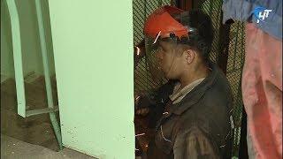 Подрядчик приступил к установке лифтового уборудования в доме №29 по набережной А.Невского