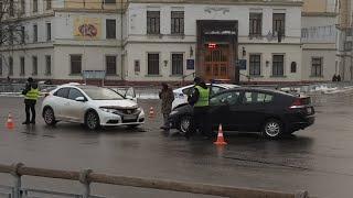 ДТП с пострадавшими в Киеве на плошади Славы, Салют