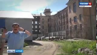 Обвал стены в Рубцовске: первые кадры обрушения в заброшенной гостинице