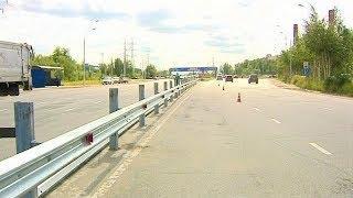 Убрать очаг аварийности: на одной из улиц Нижневартовска устанавливают отбойник