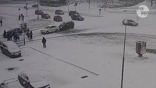 Пинск. Первый снег и пара мелких ДТП. 18.11.2018