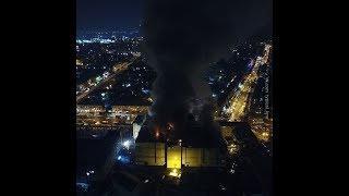 Число погибших в Кемерово выросло до 64, пожар возобновился
