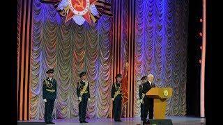 Рустэм Хамитов поздравил ветеранов с наступающим Днем Победы