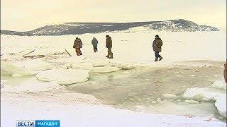 Три машины провалились под лёд бухты Гертнера
