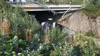 ДТП в Финляндии: автобус упал с моста