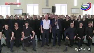 Солисты ансамбля «Лезгинка» призывают махачкалинцев исполнить свой гражданский долг