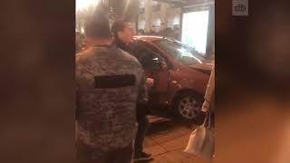 В центре Петербурга автомобиль врезался в остановку, есть пострадавшие