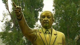 Золотой памятник Эрдогану в Германии