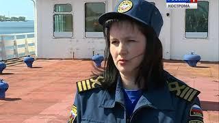 Костромские спасатели отработали действия по спасению людей на воде