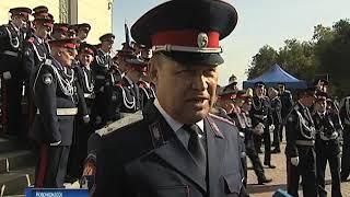 Смотр-конкурс для кадетов прошел в Новочеркасске перед Вознесенским собором