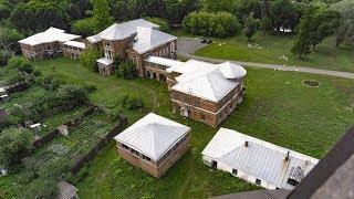 «Застывшее время»: блеск и руины заброшенной усадьбы и Шуховской башни в Полибино