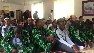 Сборная Нигерии в мечети в Большом Исаково