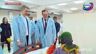 Артем Здунов и Танка Ибрагимов поздравили с праздником пациенток и медперсонал госпиталя ветеранов
