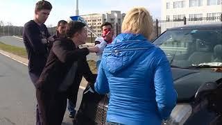 Проигнорировав дорожный знак, девушка спровоцировала ДТП на Русском острове