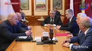 Владимир Васильев провел встречу с Александром Карелиным