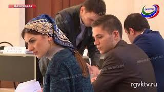 Владимир Васильев и Хизри Шихсаидов проголосовали на своих избирательных участках