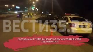 Машина врезалась в бетонный блок: водитель погиб