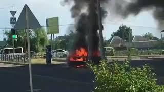 Припаркованная иномарка сгорела дотла в Невинномысске