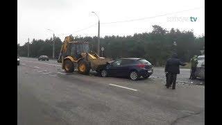 ДТП в Коммунаре: трактор и 2 легковушки