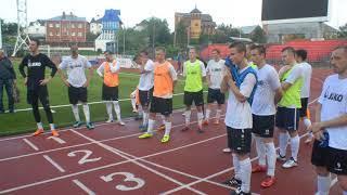 Тюменские футболисты встретились с болельщиками