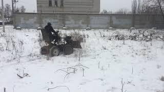 Подросток собрал мини-трактор