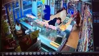 На Камчатке двое парней украли ящик с пожертвованиями для больного ребенка