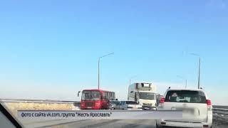 Крупная авария стала причиной затора на Октябрьском мосту