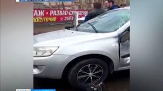В Красноярске легковушка врезалась в пассажирский автобус