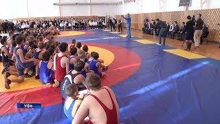 В Уфе олимпийский чемпион Александр Карелин провел мастер-класс для юных спортсменов