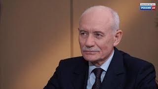 Рустэм Хамитов дал интервью руководителям двух ведущих телеканалов республики