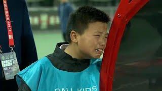 Горе юных китайских болельщиков