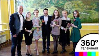 Губернатор Подмосковья поздравил женщин в новом доме культуры в Вербилках