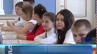 """Победитель """"Губернаторского дневника"""" получил 247 пятерок за четверть"""