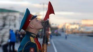 Итоги недели: ночные репетиции парада Победы в Екатеринбурге