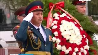 В честь 75-летия Курской битвы на Мемориале Победы возложили цветы к вечному огню