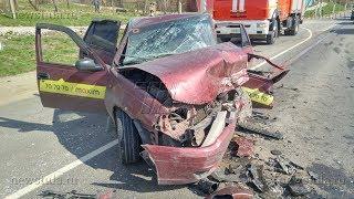 В Туле в ДТП погиб водитель такси и пострадали четыре его пассажира